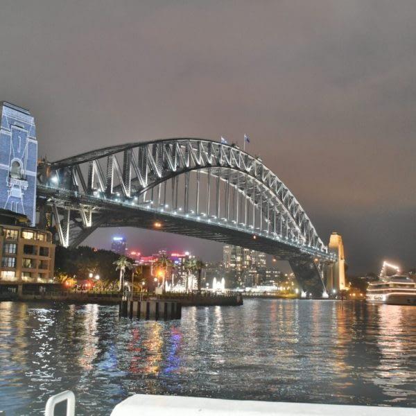 architecture-bridge-buildings-635632